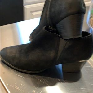 Women's black ankle booties